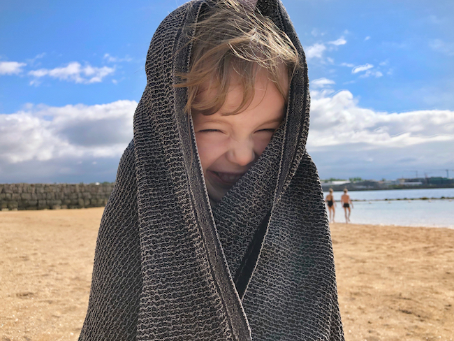 luonnonkosmetiikan aurinkosuoja sopii myös lapsille
