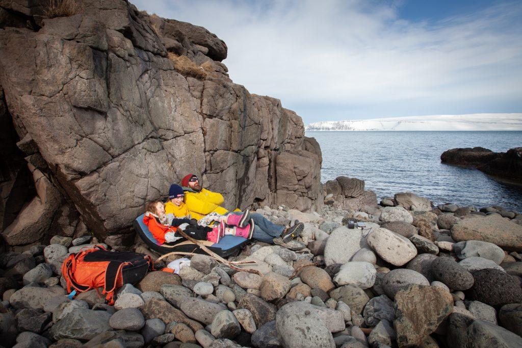 päiväretki perheen kanssa länsivuonot islanti