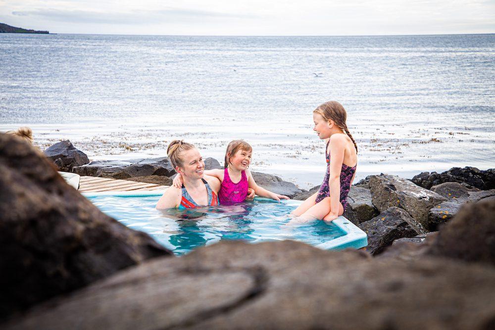 drangsnes islanti matkavinkki kylpylä