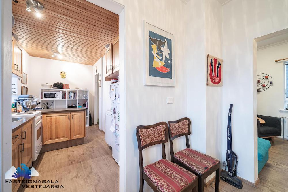 olohuone ja keittio vanha talo remontti