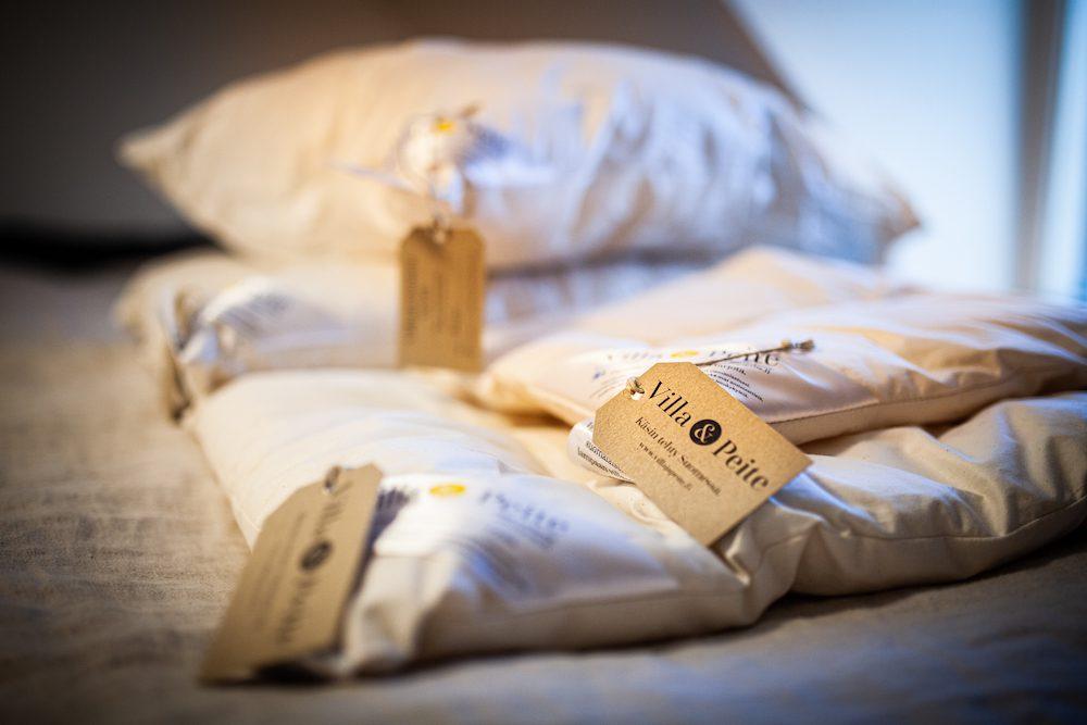 villasta valmistettu tyyny