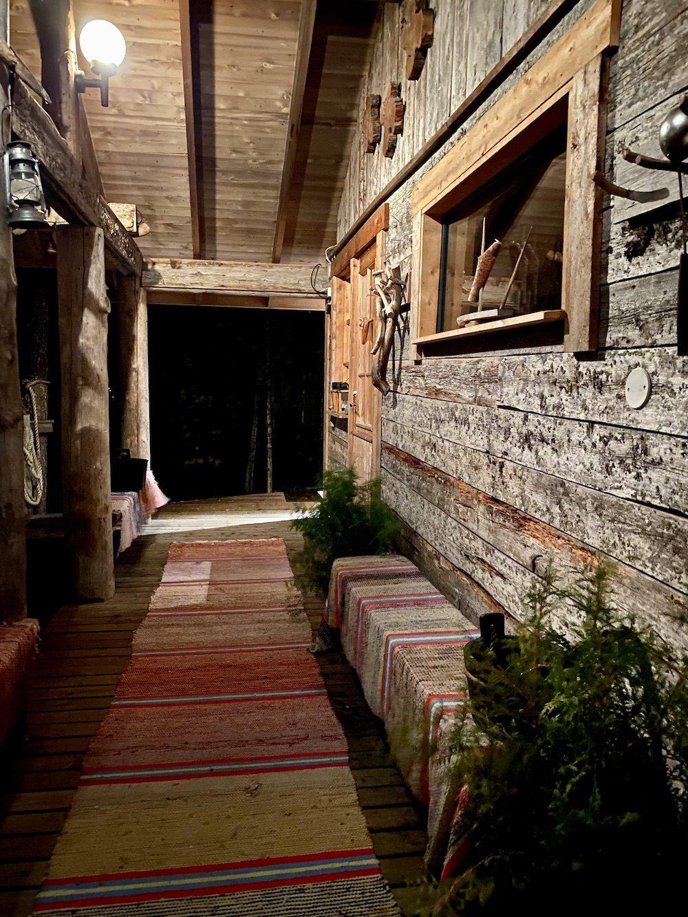 rannikolta tuntureille isokenkaisten klubi sauna