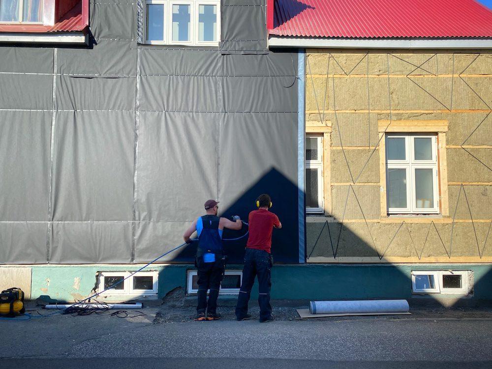 aaltopelti islanti taloissa